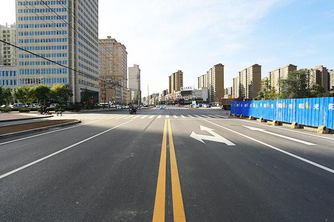 公司融资建设的柳湖路